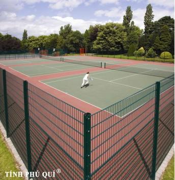hang rao san tennis dat nen 2a