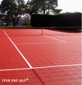 san tennis lap rap ngoai troi