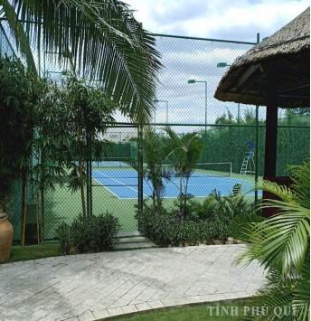 hàng rào tennis cao 4,2m bọc nhựa